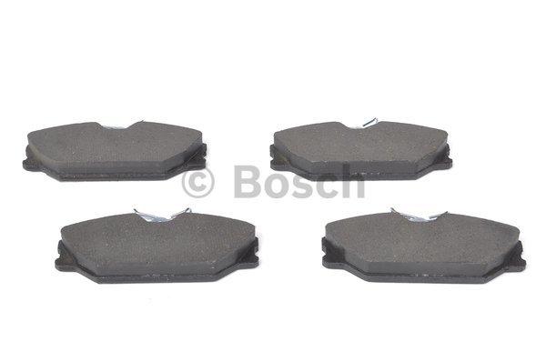 plaquettes de frein avant bosch 0 986 424 533 jeu de 4 yakarouler. Black Bedroom Furniture Sets. Home Design Ideas